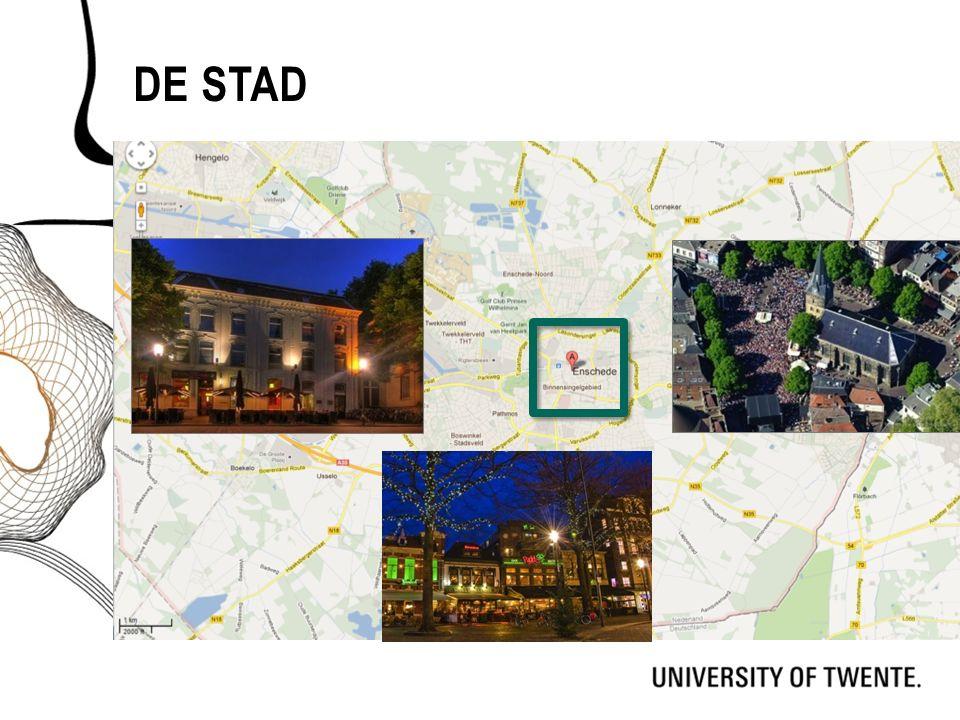 De stad Kaart van enschede -> na klikken kader om centrum  na klikken foto's oude markt. Vertel wat over de stad:
