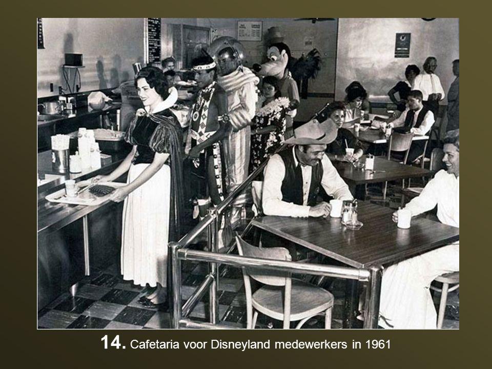 14. Cafetaria voor Disneyland medewerkers in 1961